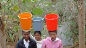 Ambalavao Provision d'eau avant le forage